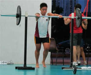 Singapore CrossFit: Barbell Thrusters + Pullups!
