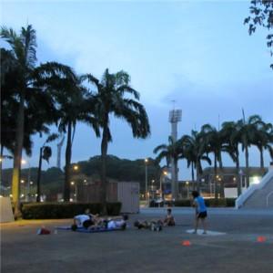 CrossFitting against Singapore Beautiful Skyline: Wall Balls + 400M Run (Partner WOD)!